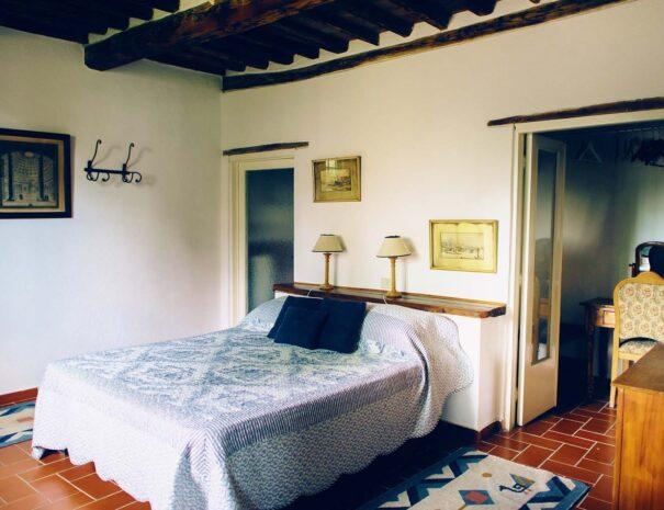 Stalle west bedroom 1 (L) (2500x1591)