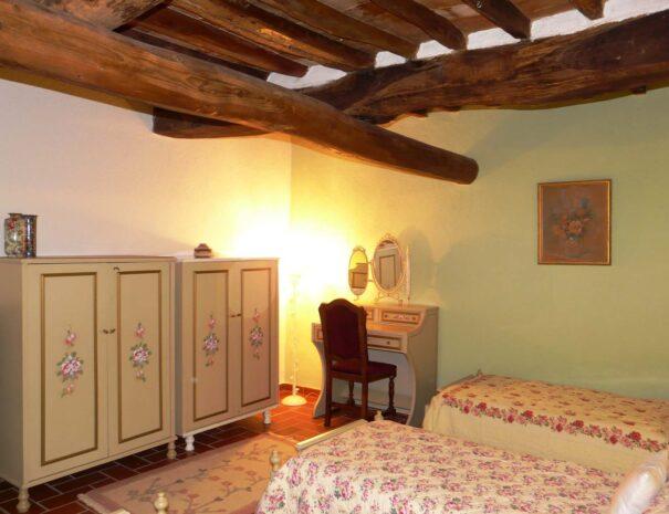 Terrazza bedroom west 2