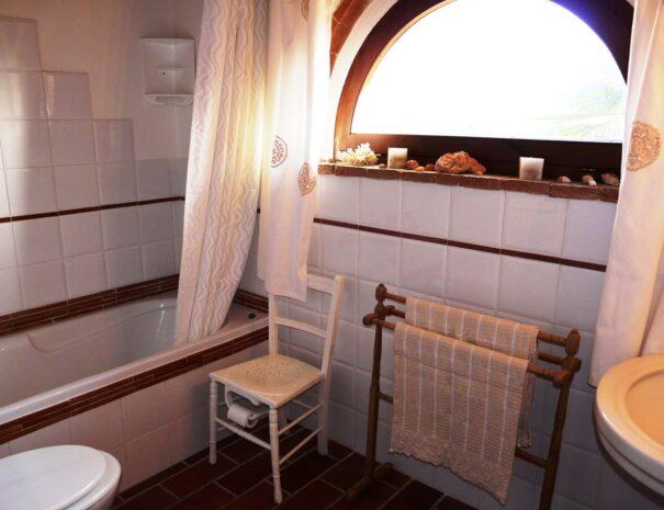 Tinaia bathroom