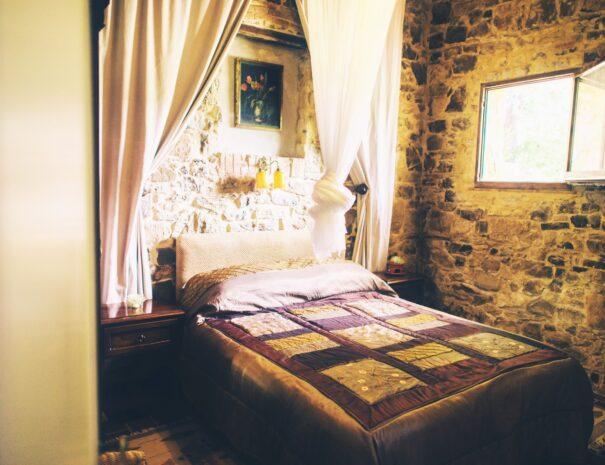 Tinaia bedroom (L)