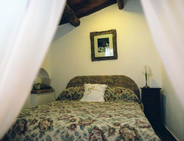 bedroom (L)