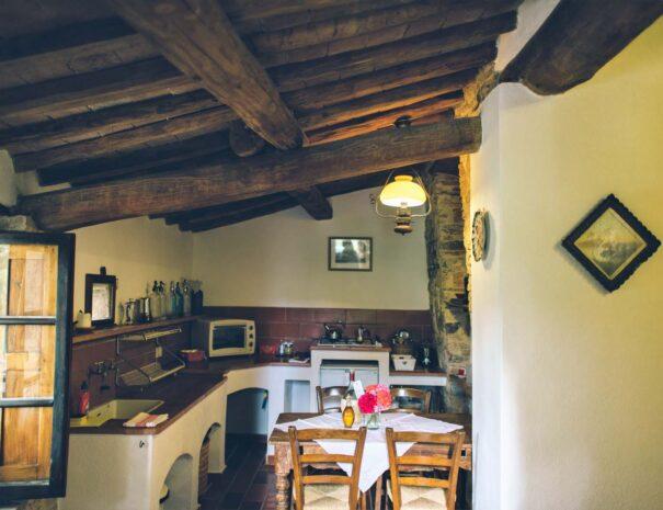 kitchen (L)